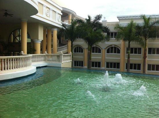 Iberostar Grand Hotel Paraiso: bassin d'eau