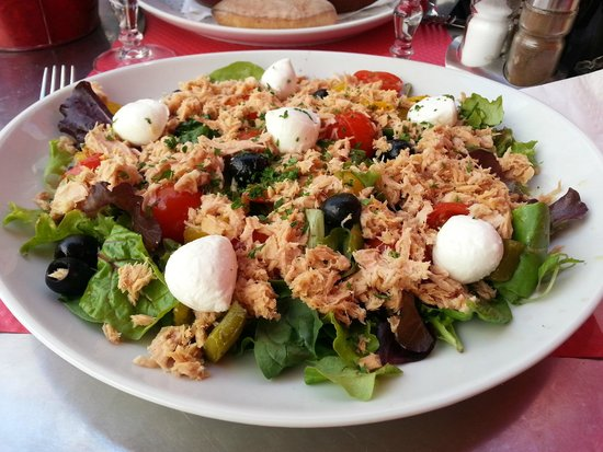 Brit Hôtel : L'excellent salade niçoise !!