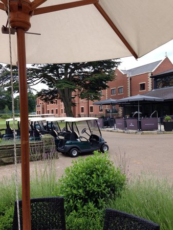 The Mere Golf Resort and Spa: Bar/club house