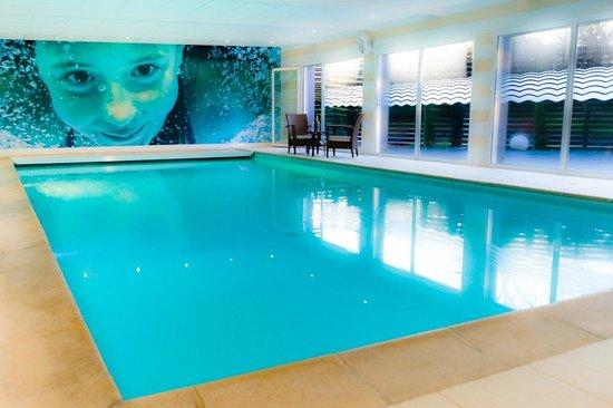 Brit Hotel Saint Brieuc : Piscine