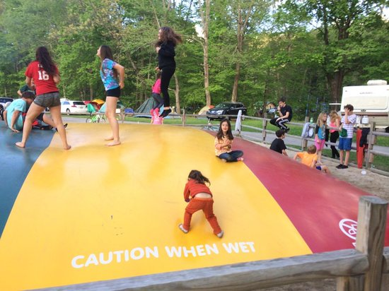 Cuddebackville, Estado de Nueva York: Jumping pillow activity