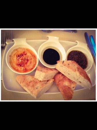 Georgie May's Bistro: Delicious Turkish bread with hummus, olive tapenade & olive oil and balsamic glaze