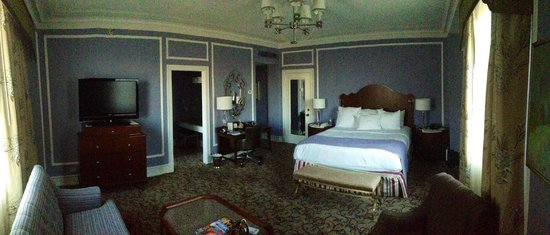 The Peabody Memphis: King Suite