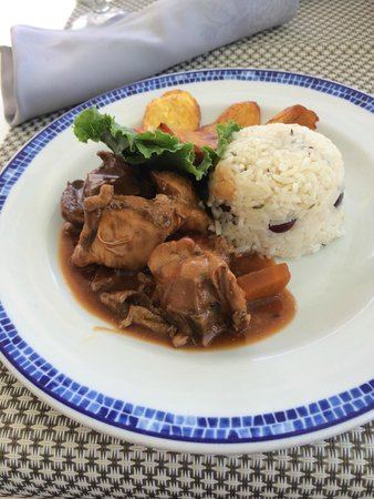 Secrets St. James Montego Bay: Stew Chicken and Rice at the Seaside Grill (YUMMY)