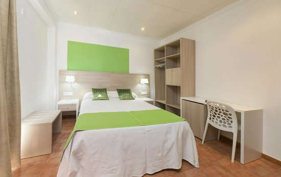 Hostal Residencia Adelino: Habitación de matrimonio
