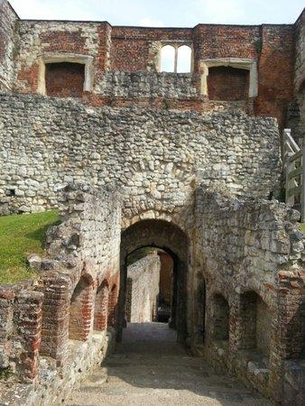 Farnham Castle : the castle keep