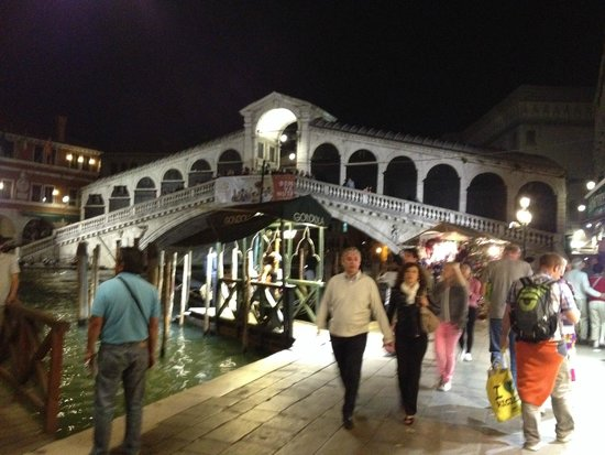 Rialto Bridge (Ponte di Rialto): Rialto bridge