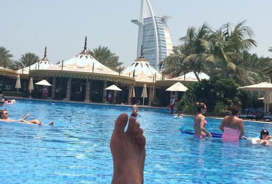 Jumeirah Al Qasr at Madinat Jumeirah: view of burj al Arab from pool