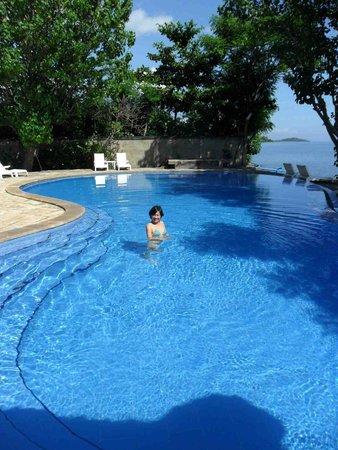 Aneka Bagus Pemuteran Resort & Spa: the blue pool