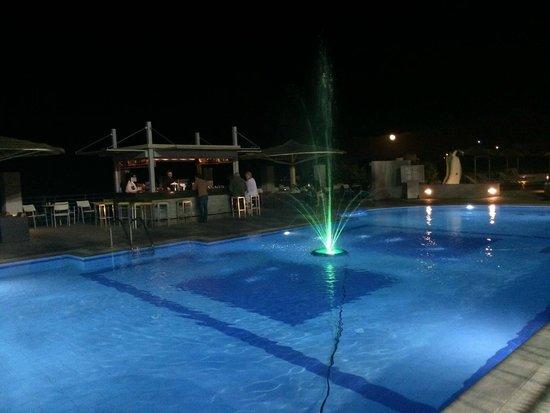 "Blue Bay Resort & Spa Hotel: Snack-Bar ""Breeze"""