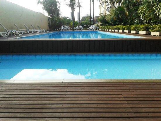 Lider Palace Hotel: Piscina, mini gimnasio y zona de juegos