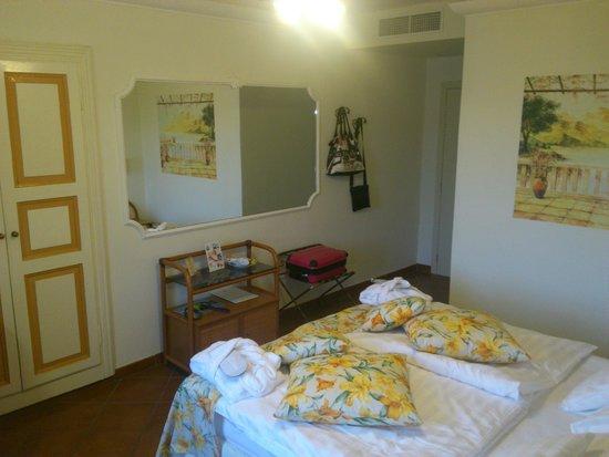Hotel Camin Colmegna: Camera