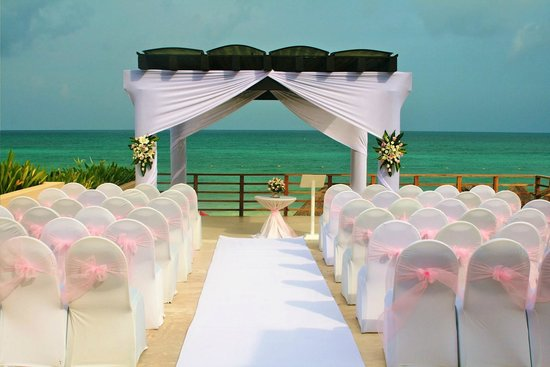 Now Jade Riviera Cancun : Pergola set up for my son's wedding