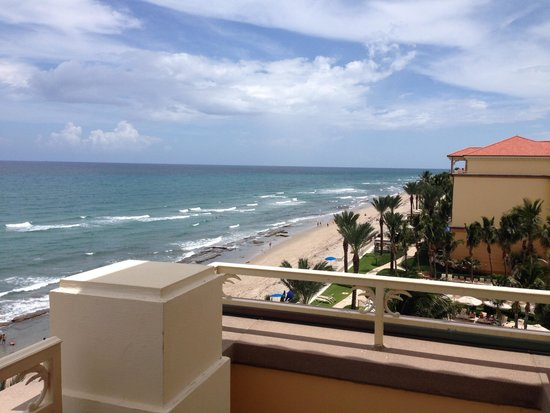 Eau Palm Beach Resort & Spa: View from our balcony on the 6th floor