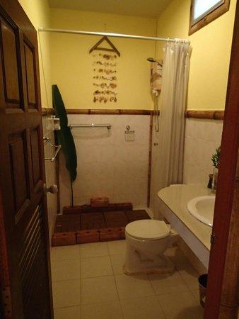 Kantiang Oasis Resort & Spa: Bathroom