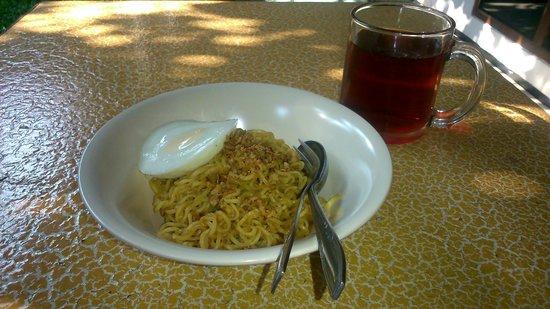 Krowi Inn: Indomie breakfast