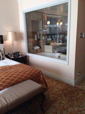 Taj Cape Town: My standard room was outstanding!