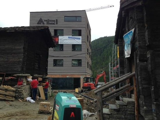 Sunstar Hotel  Beau-Site : Sad to see Saas Fee being overdeveloped - another noisy site nearby