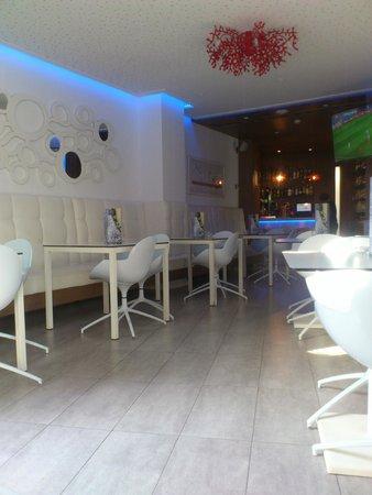 Mar Calma Hotel: bar/breakfasting area