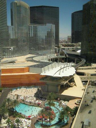 Monte Carlo Resort & Casino: Chambre 118-19iem étage. Vue de notre chambre de jour