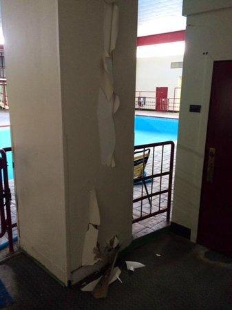 Kautilya Zanesville Hotel: Pool area