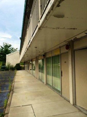 Kautilya Zanesville Hotel: The abandoned wing of the hotel