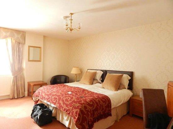 Kingston Theatre Hotel: Room
