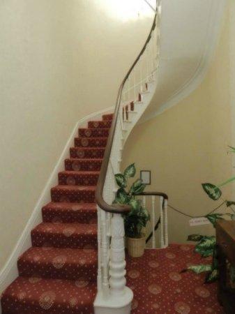 Kingston Theatre Hotel: Staircase