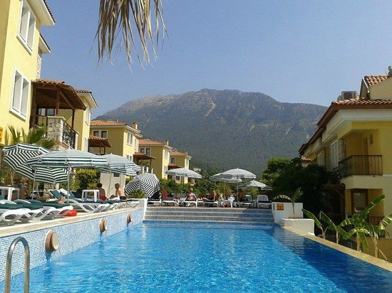 Perdikia Hill: Beautiful view to Babadog Mountain from the Adult Pool