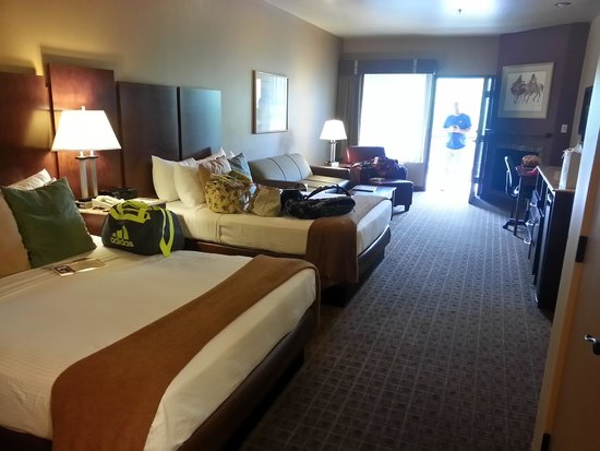 Sedona Real Inn and Suites: Real Double Queen Suite/spacious Room 2 queens with queen pull out