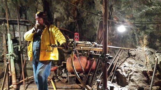 Old Hundred Gold Mine Tour: Mining equipment