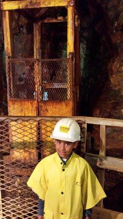 Old Hundred Gold Mine Tour : Elevator shaft
