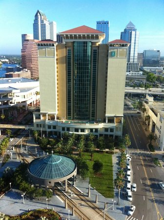 Embassy Suites by Hilton Tampa - Downtown Convention Center: In the morning