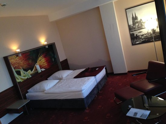Azimut Hotel Cologne City Center : how nice and spacious