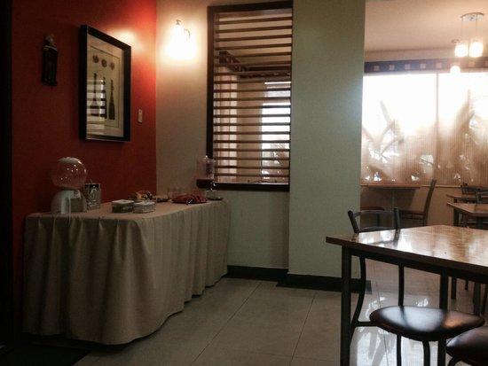 Air Suites Hotel: desayuno