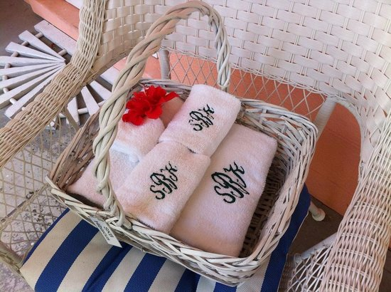 Siesta Key Bungalows: Your clean towels have arrived