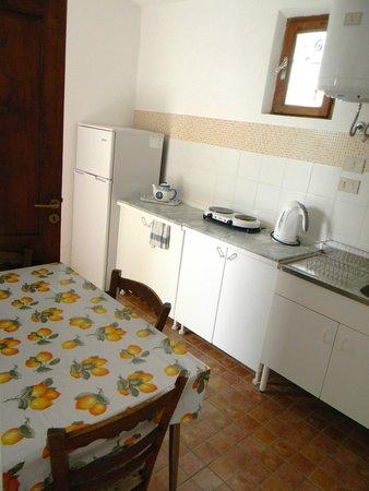 Residence Terra Rossa: Cucinino degli appartamenti