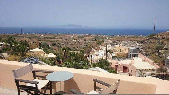 Ambelia Traditional Villas: Vue sur Ios depuis notre chambre
