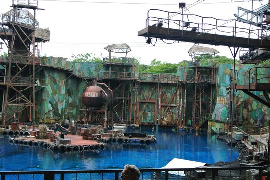The gallery for --> Universal Studio Singapore Water Rides