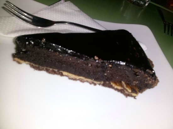 Nishta: Chocolate cake