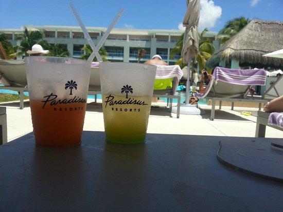 Paradisus Playa del Carmen La Perla : Gran variedad de cocteles muy bien preparados
