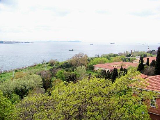 Bosphorus Strait: entrance to the Bosphorus from Tokapi palace, Istanbul