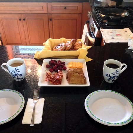Meads Bay Beach Villas: breakfast including pastries left by Chris