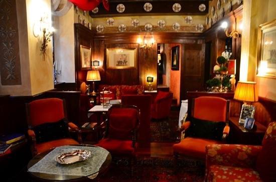 Hotel Gabbia d'Oro : Lounge area - Hotel Gabbia d' Oro