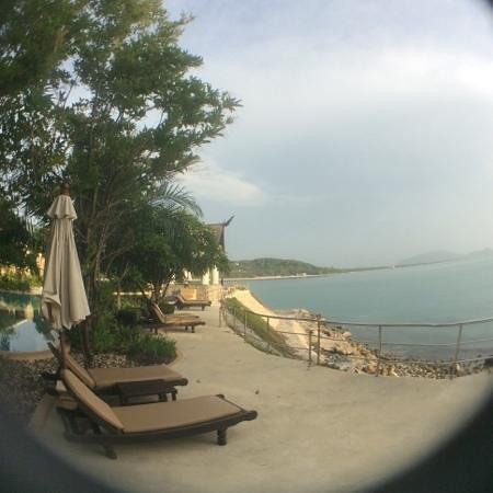 Racha Kiri Resort & Spa: by the pool, by the sea