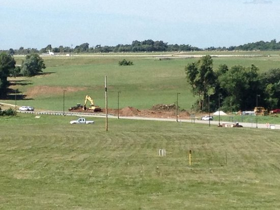 Wingate by Wyndham Bentonville Airport: XNA runway seen from forward rooms but there is no airport noise whatsoever