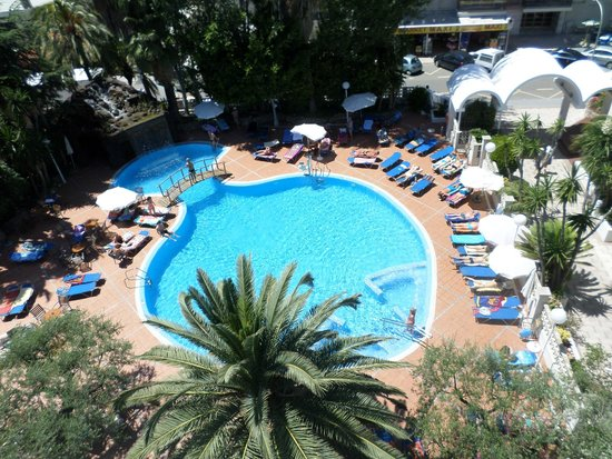 H10 Delfin: pool view from the balcony