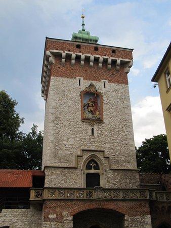 St. Florian's Gate (Brama Florianska) : Wild stone constructed Gothic Tower