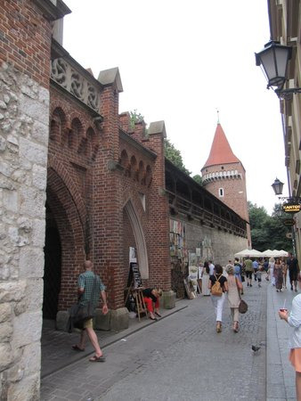 St. Florian's Gate (Brama Florianska) : Old city wall to the east of the gate