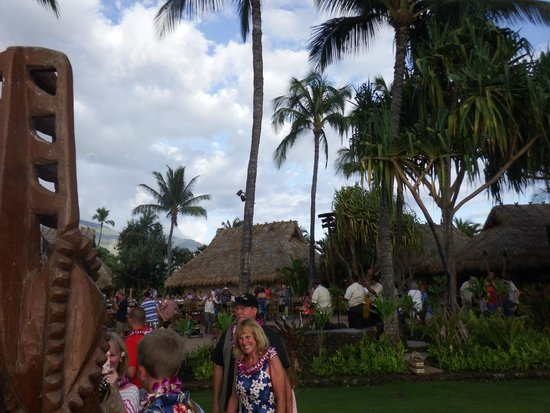 Old Lahaina Luau : Lots to do before dinner and the show